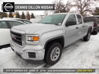** CARFAX 1-OWNER SIERRA 1500 4WD W/LOW MILES!! **.