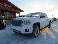Options:  2014 Gmc Sierra 1500 Navigation! Moonroof!