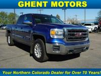 EPA 22 MPG Hwy/16 MPG City! 4x4, Trailer Hitch, Back-Up