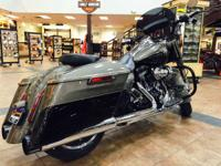 Motorcycles CVO 1060 PSN. the H-D CVO Road King bike