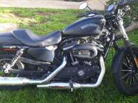 2014 Harley Davidson Sportster Iron 883 Dark Custom.