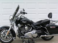 Vivid Black 2014 Harley Davidson Road King FLHR, with