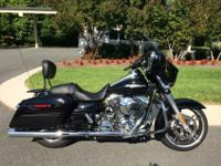 Absolutely beautiful 2014 Harley Davidson FLHXS Street