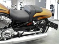 Engine: - Oil Capacity: 5 qt. This Harley V-Rod Muscle