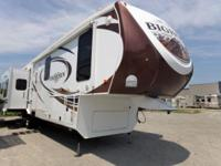 Nice preowned 2014 Bighorn fifth wheel for sale in the