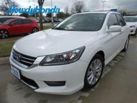 KEY FEATURES INCLUDELeather Seats, Sunroof, Heated