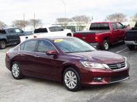 Bluetooth, Leather Seats, Sunroof / Moonroof, Satellite