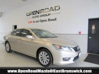 EPA 34 MPG Hwy/21 MPG City! CARFAX 1-Owner, LOW MILES -