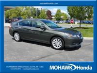 LEATHER, SUNROOF, BLUETOOTH HANDSFREE, ONE OWNER, CLEAN