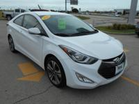 ONLY 33,917 Miles! FUEL EFFICIENT 34 MPG Hwy/24 MPG