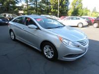 Exterior Color: radiant silver metallic, Body: Sedan,