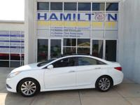 New Arrival! *CarFax One Owner!* This 2014 Hyundai