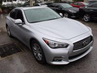 **ONE OWNER**, **CLEAN CARFAX**, **MOONROOF /