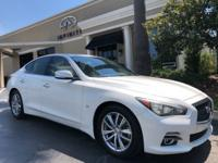 2014 INFINITI Q50 Premium Moonlight White on Wheat