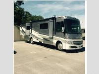 2014 Itasca Suncruiser 35P, This is a beauty. It has