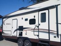 Selling 2014 Jayco Eagle HT Fifth Wheel. Like new!