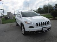 4 Wheel Drive! STOP! Read this! This 2014 Cherokee is