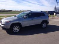 Options:  2014 Jeep Cherokee Latitude|Silver|*Alloy