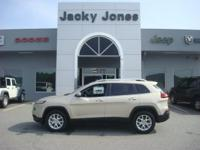 2014 Jeep Cherokee Latitude in Cashmere, *One Owner*,
