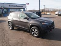 Options:  2014 Jeep Cherokee Trailhawk|Gray|Look! Look!