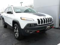 Bright White Clearcoat 2014 Jeep Cherokee Trailhawk 4WD