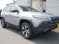 2014 JEEP TRAILHAWK 4X4 ONE OWNER BEAUTIFUL CONDITION