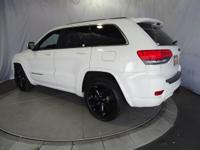Options:  2014 Jeep Grand Cherokee Altitude 2Wd|Bright
