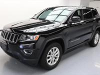This awesome 2014 Jeep Cherokee 4x4 comes loaded with