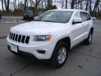 Exterior Color: white, Body: SUV, Engine: 3.6L V6 24V