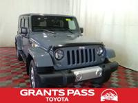 Clean CARFAX. Anvil Clear Coat 2014 Jeep Wrangler