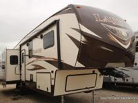 New Keystone Laredo 312RE for sale, triple slide,