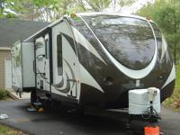 2014 Premier travel Trailer, 30RIPA,with Beautiful
