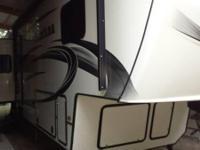 2014 Keystone RV Montana Paramount M-3582RL. 2014