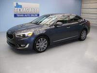 PREMIUM PACKAGE - NAVIGATION - HEATED LEATHER SEATS -