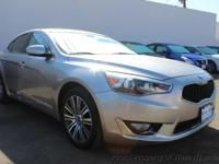 This 2014 Kia Cadenza 4dr 4dr Sedan Premium features a