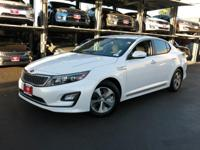 KIA CERTIFIED PRE-OWNED! BACKED BY A 10 YEAR/ 100,000