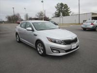 Exterior Color: bright silver, Body: Sedan, Engine: