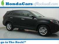 LOCAL TRADE IN and CLEAN CARFAX. 2014 Kia Sorento LX,