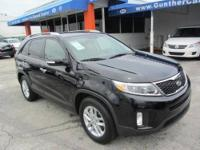 This 2014 Kia Sorento 4dr LX SUV . It is equipped with