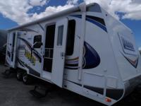 2014 Lance 2185 Travel Trailer Shows like Brand New!!