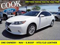 * ONE OWNER!! * - NAVIGATION - SUN ROOF - HEATED /