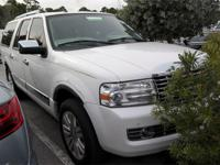 ****4WD***REAR ENTERTAINMENT PACKAGE****L MODEL***CLEAN