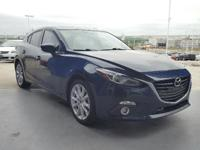 EPA 39 MPG Hwy/28 MPG City! CARFAX 1-Owner, Excellent