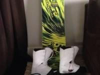 I am selling a 159' Skate Banana Snowboard that has
