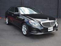 This 2014 Mercedes-Benz E-Class 4dr 4dr Sedan E350 RWD