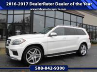 1-OWNER... LOADED... LOW Miles!! 2014 Mercedes-Benz