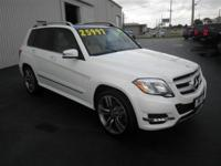 GLK 350 4MATIC: AWD-NAVIGATION-LEATHER SEATING-HEATED