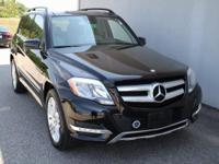 4MATIC and Vinyl. 4MATIC! ****CLEAN CARFAX ONE