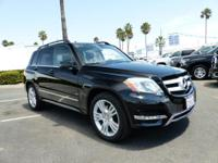 CLEAN CARFAX* FRESH TRADE* GLK350 NICELEY EQUIPPED*