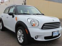 This 2014 MINI Countryman Cooper Hatchback 4D features
